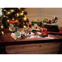 Villeroy & Boch Christmas Toys Santa auf Sessel