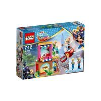 LEGO DC Super Girls Harley Quinn eilt zu